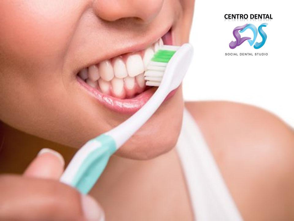 ¿Cómo elegir el cepillo de dientes adecuado?