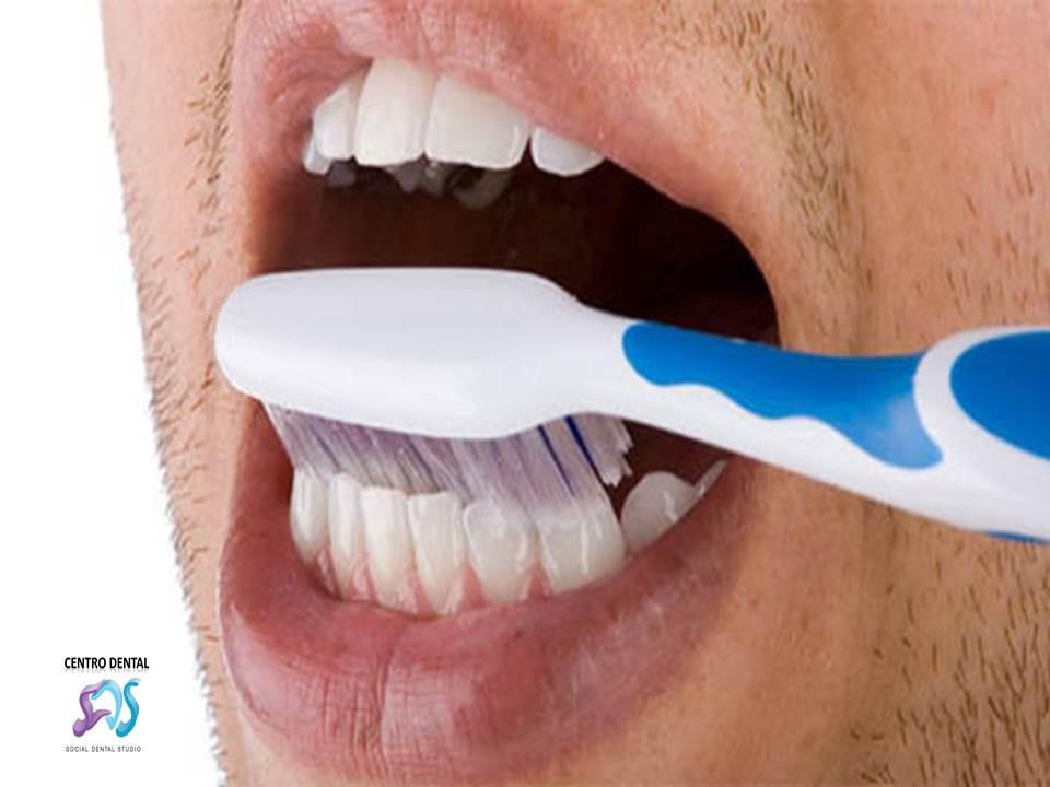 ¿Realmente sabe lavarse los dientes?