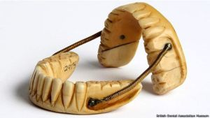 150618154245_waterloo_dientes_624x351_britishdentalassociationmuseum